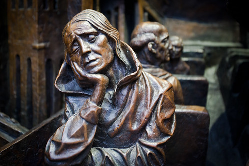 Statue detail - St Pancras Station