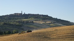 Pienza II (picturesfrommars) Tags: a7 fe tuscany toskana italy sel70200g pienza