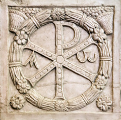 Martyrs' Victory (Lawrence OP) Tags: rome vatican chirho wreath victory alpha omega resurrection christ sarcophagus carving paleochristian martyrs