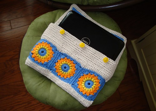 Crocheted Netbook Case 03