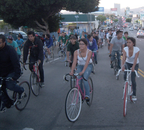 LA Critical Mass Bicyclists stretching back over a mile on Western Ave near Olympic