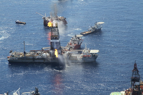 April 25th Flyover of BP drilling disaster - creative commons license GRN