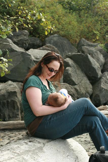 4747900818 b5dfda66d4 z Desde la caverna: El poder de la mujer en la Lactancia Materna 1
