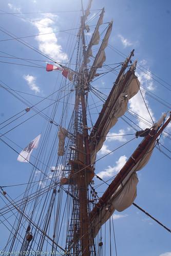 Sunny day ship