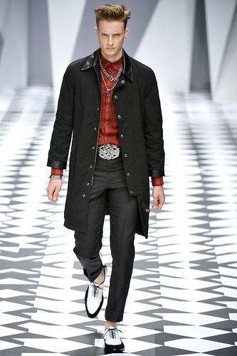 SS11_Milan_Versace0017_Michiel(VOGUEcom)