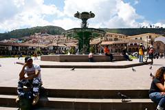 plaza de armas -cusco (enricoerriko) Tags: nyc milan mountains rome peru southamerica inca cuzco la lima cusco beijing per andes machupicchu arequipa sanblas italie sacredvalley urubamba incas inkas ollantaytambo amricadosul  sudamrica oceanopacifico  portocivitanova americadelsud romeparis  erriko  enricoerriko inques gold