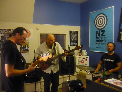 Levitating Cats Live – Waiheke Radio