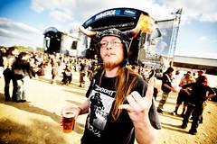 Hellfest 2010 (Ronan THENADEY) Tags: portrait public st festival rock metal canon insane punk crowd hardcore doom foule horn viking fury ambiance hellfest headbanging extrem casque folie corne furie clisson ronanthenadey 5dmarkii lastfm:event=1116339 hellfest2010