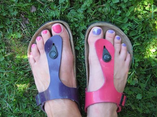 Opposite Footsies