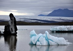 Fjallsarlon, Iceland (ystenes) Tags: lake ice iceland glacier 1001nights sland magiccity  jkulsarlon fjallsarlon vatnajkul mygearandme mygearandmepremium mygearandmebronze mygearandmesilver mygearandmegold mygearandmeplatinum mygearandmediamond musictomyeyeslevel1 flickrstruereflection1 flickrstruereflection2 rememberthatmomentlevel1 rememberthatmomentlevel2