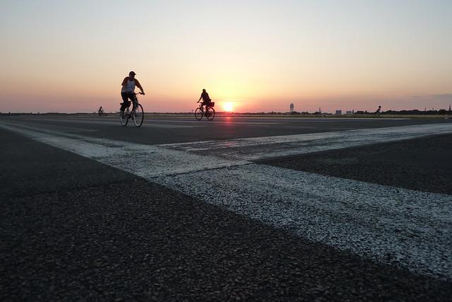 Sonnenuntergang über Tempelhof