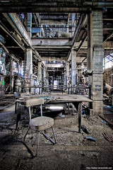 Bureau de controle du 2e tage (never ends) Tags: blue industry gris chair europe industrial factory floor control desk bureau decay gray perspective bleu urbanexploration dust controlroom exploration industrie hdr chaise usine controle bulding urbex poussiere 2ndfloor friche