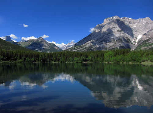 Wedge Pond, Kananaskis Country, Alberta by Gord McKenna, on Flickr
