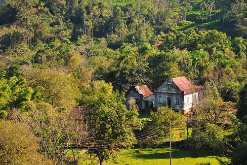 Localidade de Capela do Rosário, divisa entre São José do Hortêncio e Linha Nova/RS by Diego Carraro