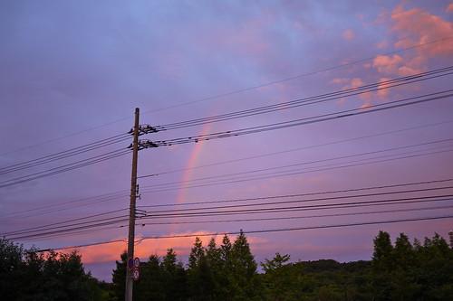 本日の夕景。ちょっぴり虹
