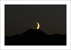 (Casey V Photos) Tags: seattle moon twilight crescent pugetsound moonset olympicmountains