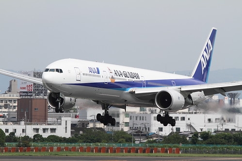 The first flight of ANA's GUNDAM JET approaching to RJOO (2)