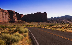 arches national park road III (Wolfgang Staudt) Tags: usa utah archesnationalpark wüste südwestenusa