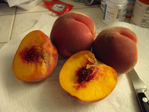 summer peaches from the farmer's market