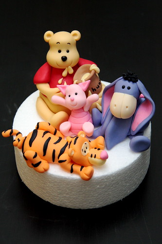 Fun with sugar art - Winnie the Pooh 2