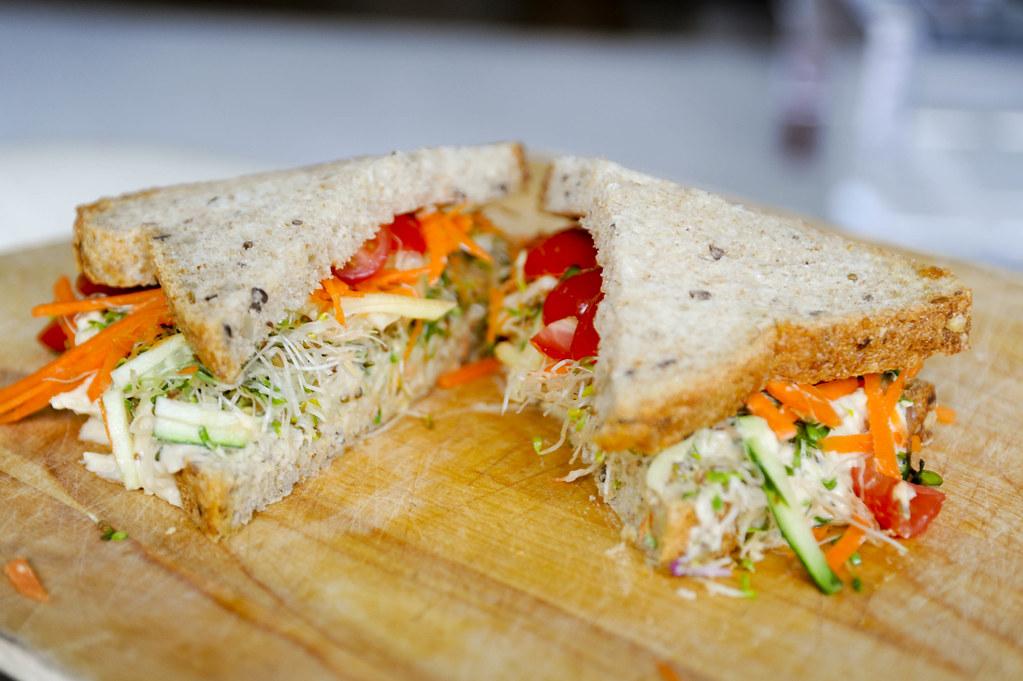 hummus-sandwich-2