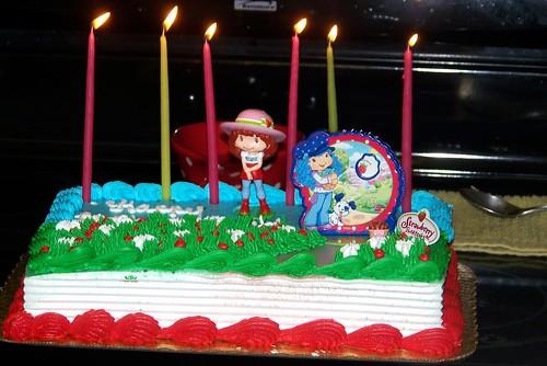 100710 Holly's Bday 05 - cake