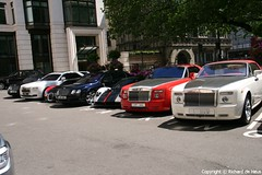 Line-Up (Richard de Heus) Tags: red white black spur flying bahrain ghost continental rollsroyce gt phantom bugatti coupe bentley cinque zonda qatar veyron roadster ksa pagani drophead