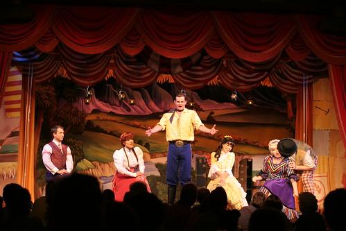 Hoop-De-Doo Musical Revue Dinner Show | Walt Disney World Resort