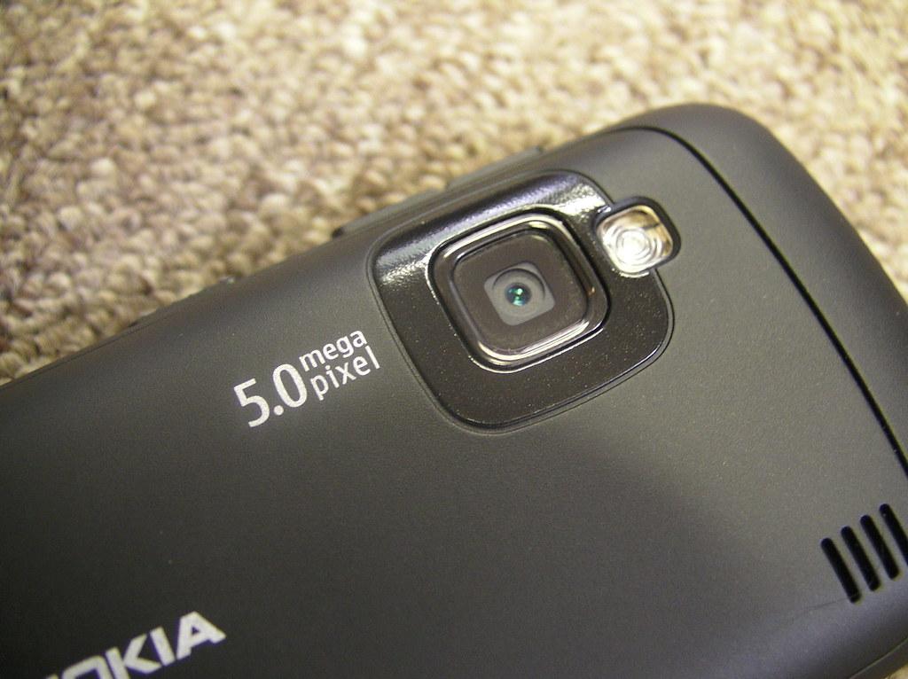 Nokia C6 - 5 megapixel camera
