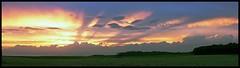 Tramonto nei campi 1 (italo svevo) Tags: sunset summer sky sun clouds licht tramonto nuvole shadows sonnenuntergang estate cloudy sommer natur felder himmel wolken august natura ombre agosto ciel cielo luci sole landschaft sonne paesaggi schatten luce paesaggio aout ete acker luglio wolkig puestadelsol campi coucherdusoleil nuvoloso tranquillità