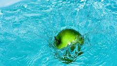 [フリー画像] 食べ物・飲料, 果物/フルーツ, リンゴ, 201008070500