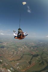 QUEDA LIVRE - Rodrao e Fernando by Sangue (SangueB) Tags: brazil sky brasil speed skydiving ar natureza extreme liberdade cu vida cielo nuvens radical skydive viver dropzone esporte esportes velocidade skydiver espao altura sangue outlaw skydivers voar segurana freefall boituva voador parachutist medo tandemjump paraquedas quedalivre paracaidismo freefly coragem adrenalina emoo prazer paracadutismo paracaidista paraquedismo paracaidistas adelmann voadores esportesradicais superao rodrigocastilho paraquedista radicais expanso paraquedistas parachutism nasalturas testdummies saltoduplo rodrao sangueb alexadelmann escoladeparaquedismo