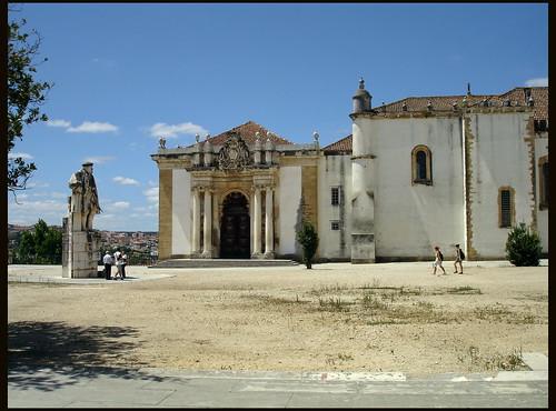 Coimbra (Portugal). Universidad. Portada de la Biblioteca Joanina by rabiespierre