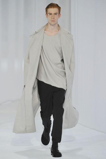 Bastien Bonizec3099_SS11_Paris_Dior Homme(VOGUEcom)