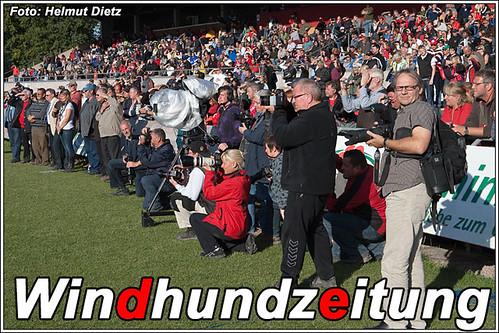 SV BSP 2009 Donaueschingen Reiterstadion - Siegerehrung - Zuschauer und Presse
