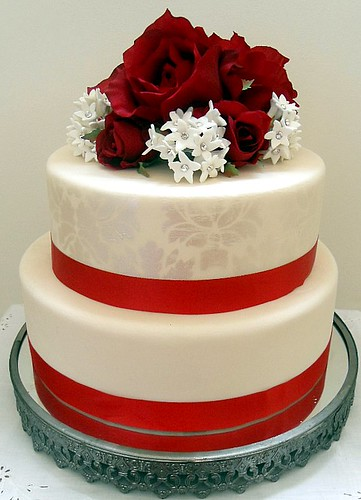 wedding cakes winter red
