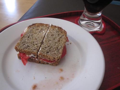 Tomato sandwich, soda