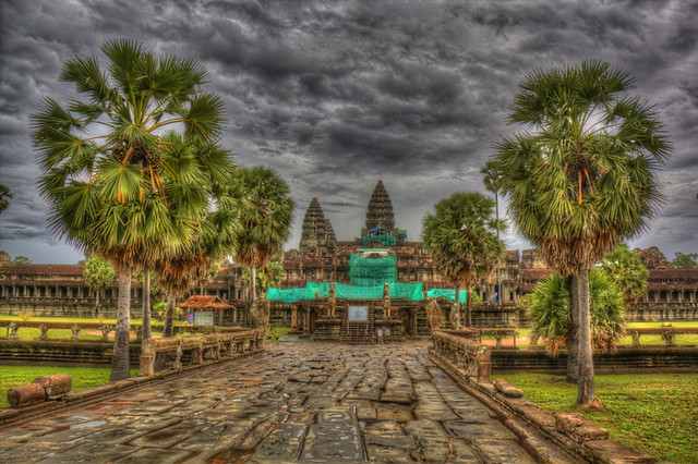 Angkor Wat entrance in HDR