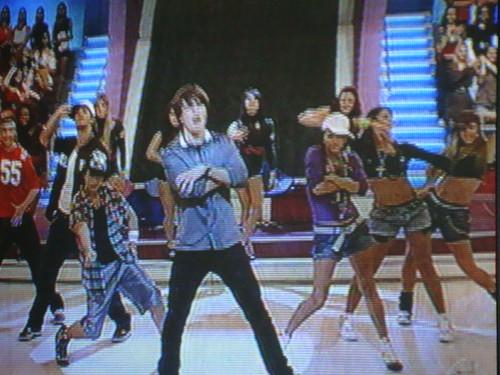 """""""Dança gatinho, dança"""""""
