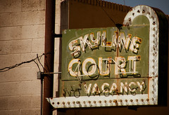 Skyline Court (TooMuchFire) Tags: signs typography colorado neon signage neonsigns oldsigns vintagesigns canoncity canon30d skylinecourt oldmotelsigns oldneonsigns lightroom2 vintagemotelsigns
