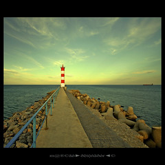 Seales (m@tr) Tags: lighthouse france canon faro aude seales portlanouvelle canoneos400ddigital languedocroselln mtr sigma1020mmexdc marcovianna imagenesdefrancia fotosdefrancia
