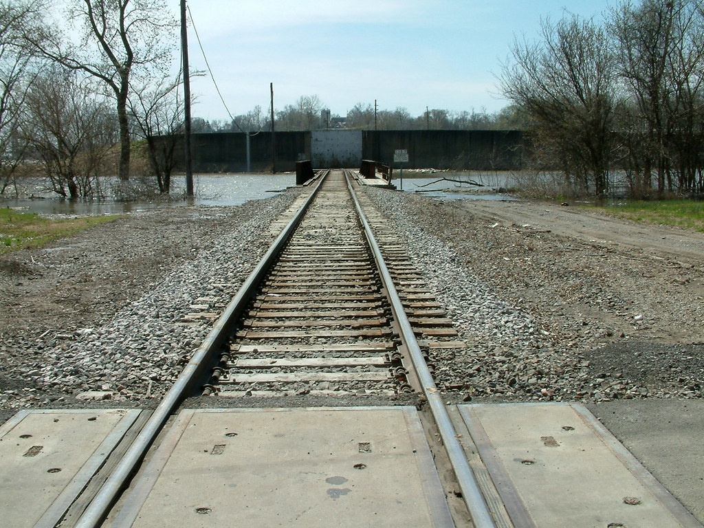 Mississippi River Flooding 2010 9:  Tracks to Nowhere