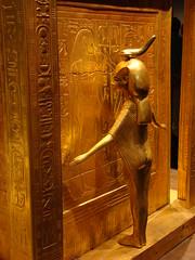 Var-19 (-Merce-) Tags: madrid espaa spain treasure tomb exhibition replica tumba semmel tesoro tut tutankhamen exposicion tutankhamun tutankhamon tutankamon artstation mmbmrs