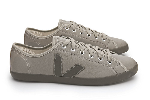 Veja_Taua_Leather_Moorock_Taupe_lateral par