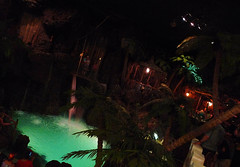 Cliff diver at Casa Bonita. (Jennifer Pickens) Tags: cliff restaurant colorado dive roadtrip denver diver lakewood casabonita