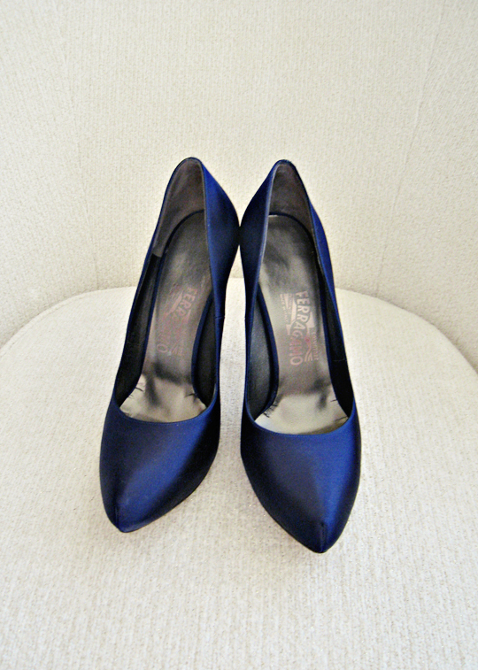 navy blue shoes+blue ferragamo heels+satin platform pumps