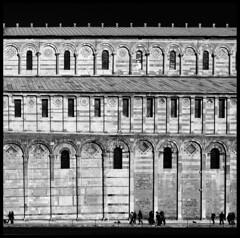 Pisa Cathedral (albireo 2006) Tags: italien windows blackandwhite bw italy building stone architecture facade wow italia cathedral pisa tuscany marble duomo toscana romanesque toscane architettura italie toskana duomodipisa blackwhitephotos kartpostal bellitalia justpentax hccity pentaxart