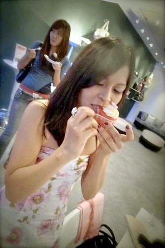 LuxOnU Puchong - Rebecca Saw, red velvet