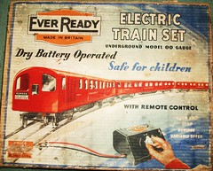 Ever Ready Underground trainset box lid artwork. (Ledlon89) Tags: london underground transport tube 1950s batteries lt trainset tubetrain antiquetoy oldtoys everready collectionsforcollectors