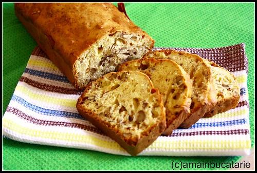 Articole culinare : Paine cu banane si cu nuci